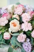 Svatební kytice s květy růže — Stock fotografie