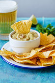 Guacamole mit Avocado und Limette — Stockfoto