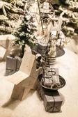 Decorações de Natal com as árvores e as estrelas — Fotografia Stock