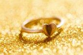 心でロマンチックなリング — ストック写真