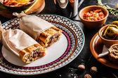 Spanische Abendessen am Tisch serviert — Stockfoto
