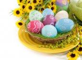 Wielkanocne jajka w gnieździe — Zdjęcie stockowe