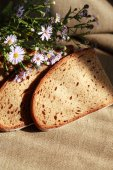 Bread And Flowers — Stock Photo