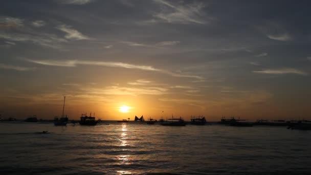 Puesta de sol en boracay — Vídeo de stock