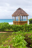 Lifeguard pergola on caribbean beach — Stock Photo