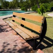 Wooden bench in park  — Stock Photo