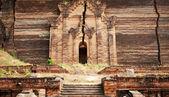 Pa Hto Taw Gyi Mingun pagoda in Mandalay — Stock Photo