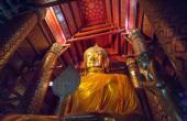 Buddha statue in Wat Phanan Choeng — Stock Photo