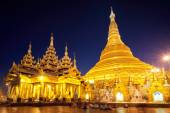 Shwedagon Pagoda in Yangon — Stock Photo