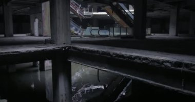 Abandoned concrete building. — Stock Video