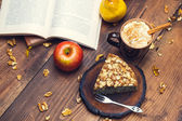 Homemade pie with poppy seeds and almond flakes — Stock Photo