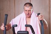 Healthy man exercising. — Stockfoto
