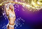 Vrouw in bikini dansen — Stockfoto