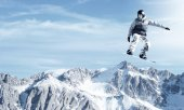 Snowboarder making jump — Foto de Stock