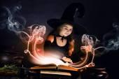 ハロウィーンの魔女 — ストック写真