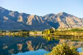 New Zealand alps and lake — Stock Photo