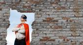 Man wearing superman mask and cape — Stock Photo