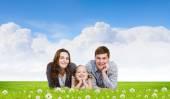 Giovane famiglia — Foto Stock