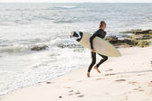 Surfing makes me feel alive — Stock Photo