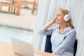 Music is my inspiration for work — Stock Photo