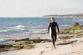 Pronti a soddisfare le onde — Foto Stock