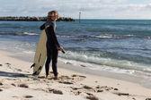 Listo para enfrentarse a las olas — Foto de Stock