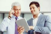 Discussion and technology give way to solution — Stock Photo