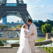 Beautiful just married couple in Paris — Stock Photo #51870485