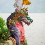 Traditional statues in Pura Ulun Danu temple — Stock Photo #52366825