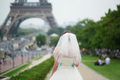 Happy young beautiful bride in Paris — Stock Photo