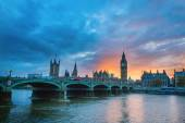 Big Ben and Westminster Bridge at sunset — Stock Photo