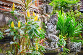 Traditional Balinese sculpture in Ubud, Bali — Stock Photo