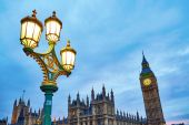 View of Big Ben and lantern at the evening — Stock Photo