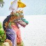 Traditional Balinese statues in Pura Ulun Danu — Stock Photo #62387437