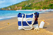 Beach bag on a Balinese beach — Stock Photo