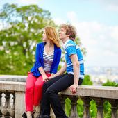 Tourists in Paris, on the Montmartre hill — Stock Photo