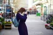Beautiful young tourist in Paris — Stock Photo