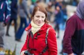 Tourist in Paris, walking in the crowdy street — Stock Photo