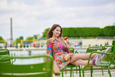 Young Parisian woman in the Tuileries garden — Stock Photo