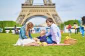 Happy family of three in Paris — Stock Photo