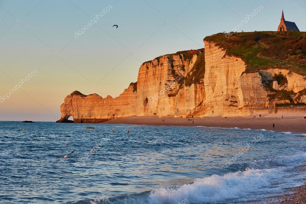 Фотообои Scenic view of Etretat with its beach and famous cliffs
