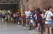 Queue of people in Barcelona. — Stock Photo