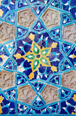 Beautiful old ceramic tile with floral ornament - traditional arabic exterior element of mosque in Abanotubani district,Tbilisi, Georgia. A fine example of Islamic architectural style — Stock Photo