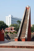 Big stairs inside Jantar Mantar complex- famous medieval observatory in Delhi, India,unesco heritage site — Stockfoto