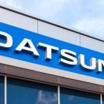 SAMARA, RUSSIA - AUGUST 30, 2014: Datsun dealership sign against — Stock Photo #52733429