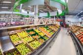 SAMARA, RUSSIA - SEPTEMBER 28, 2014: Interior of the hypermarket — ストック写真