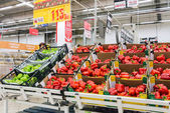 Fresh vegetables ready for sale in Auchan Samara Store — Stock Photo