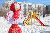 Shrovetide in Russia. Big doll for the burning. — Stock Photo