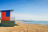 Lifeguard house on the beach — Stock Photo