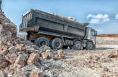 Loading a large lorry building material — Stockfoto